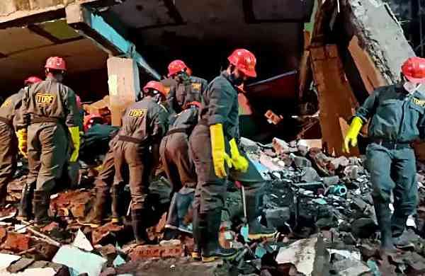 11 killed, 20 rescued after 43-year-old building collapses in Maharashtra's Bhiwandi
