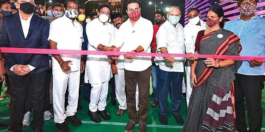 Union Minister of State for Home G Kishan Reddy, MAUD Minister KT Rama Rao and Mayor Bonthu Rammohan inaugurate the Durgam Cheruvu cable-stayed bridge in Madhapur on Friday