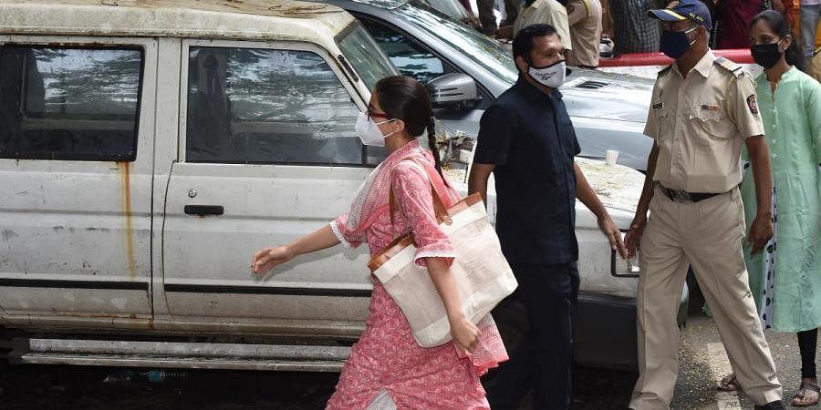 Actress Sara Ali Khan enters NCB's Mumbai office
