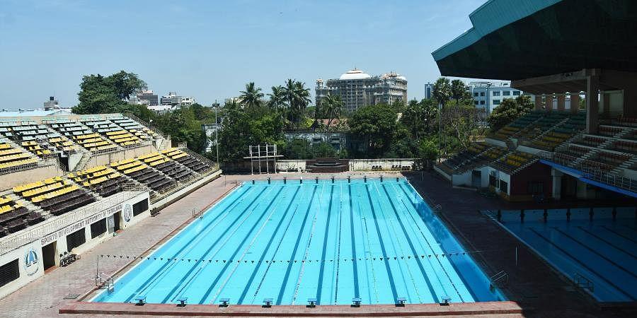 Swimming pool stadium