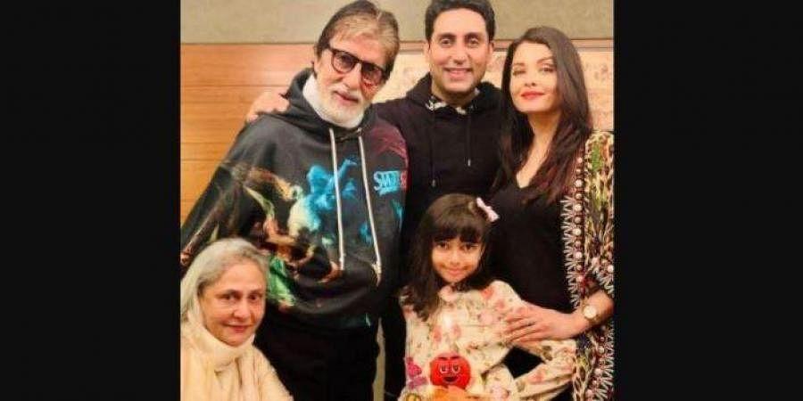 (From L to R) Jaya Bachchan, Amitabh Bachchan, Abhishek Bachhan, Aishwarya Bachchan and Aradhya Bachchan.