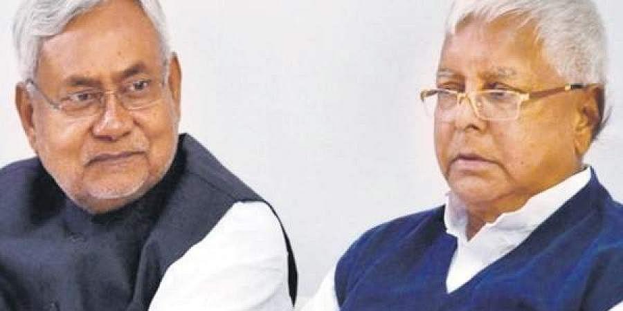 Nitish Kumar (L) and Lalu Prasad Yadav (R)