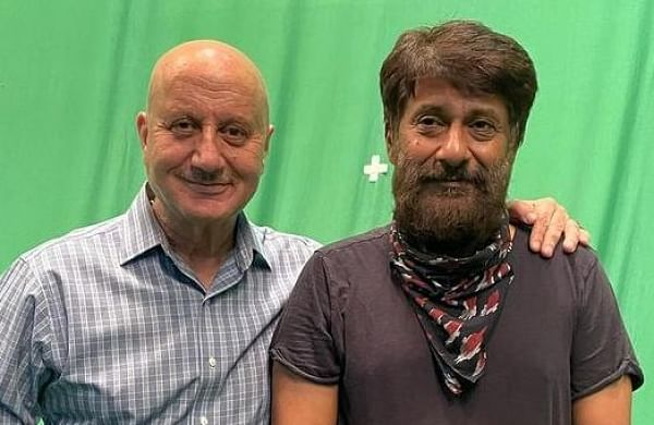 Anupam Kher, Vivek Agnihotri wrap up shooting for 'Kashmir Files'