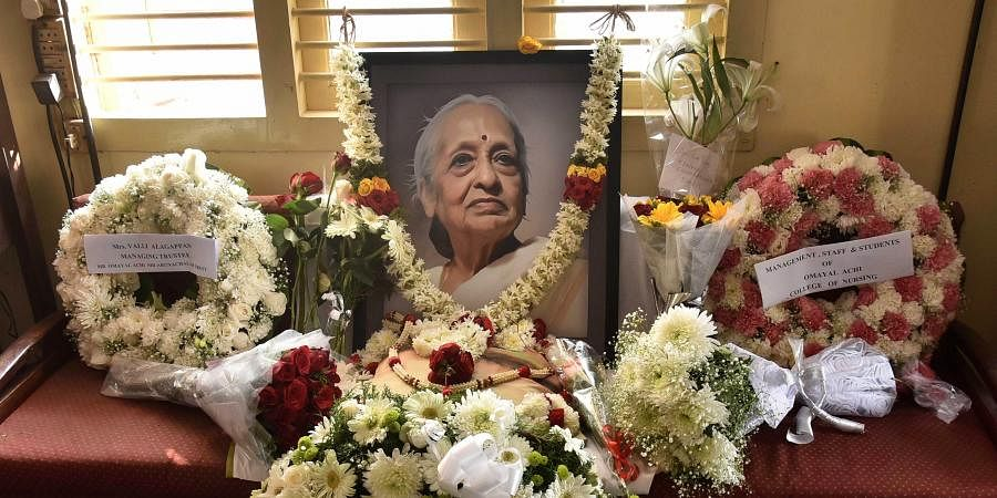 People pay respect to Dr V Shanta, senior oncologist and Chairman of Cancer Institute at Adyar in Chennai. (Photo   Debadatta Mallick, EPS)