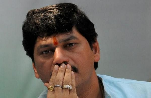 Woman withdraws rape complaint against Maharashtra Minister Dhananjay Munde