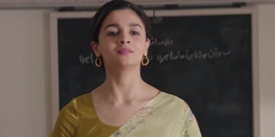 Ae Watan: Alia Bhatt starrer 2018 blockbuster 'Raazi' gave the song which ran a patriotic buzz in the whole nation. The song written by veteran legend poet Gulzar is sung by Arijit Singh and Sunidhi Chauhan. Following the song's release, social media was flooded with fans making replica clips of the song to channel their patriotism on micro-blogging platforms.