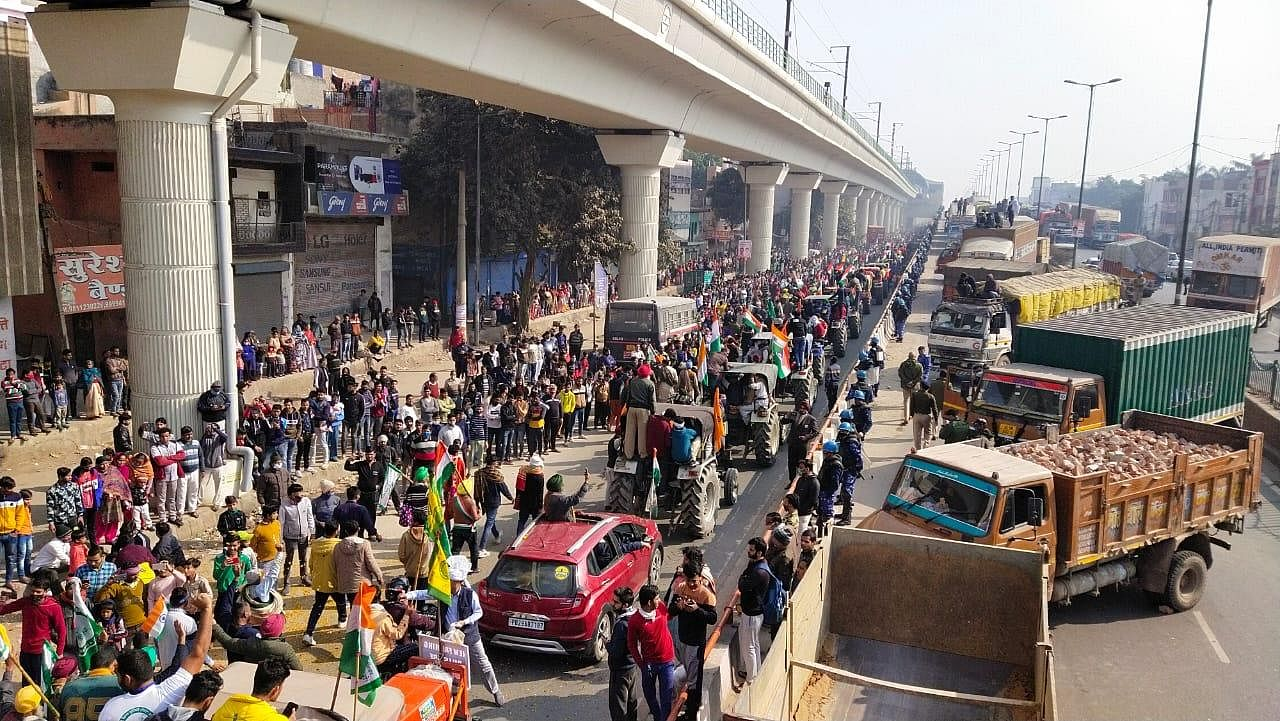 Massive tractor parade by protesting farmers in Tikri border, New Delhi. (Photo | EPS/Parveen Negi)
