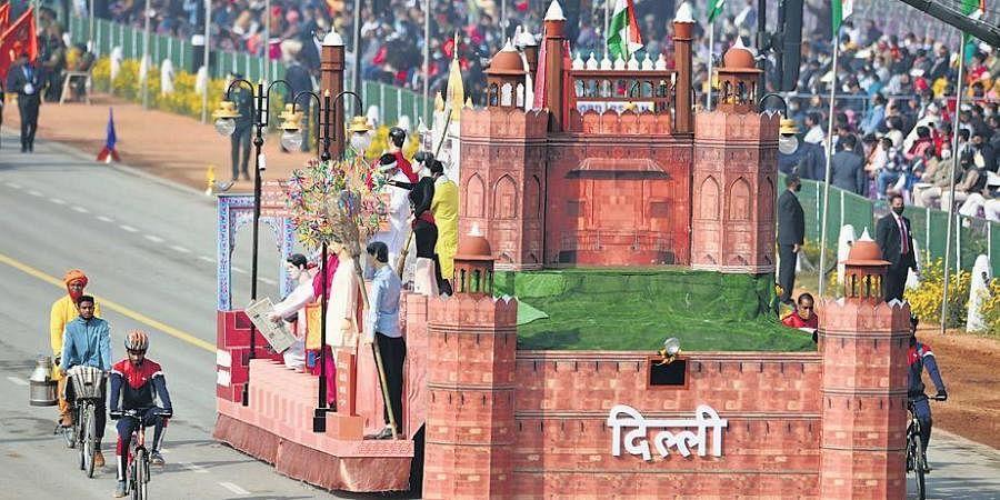 Delhi's tableau rolls down Rajpath (Photo   PTI)