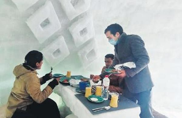 Igloo cafe made of ice is Gulmarg's hot destination