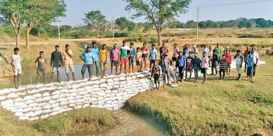 From paddy, wheat, mustard to sweet corn, watermelon and various other vegetables and fruits began to flourish in their fields with the help of  bori bandhs (low cost check dams).