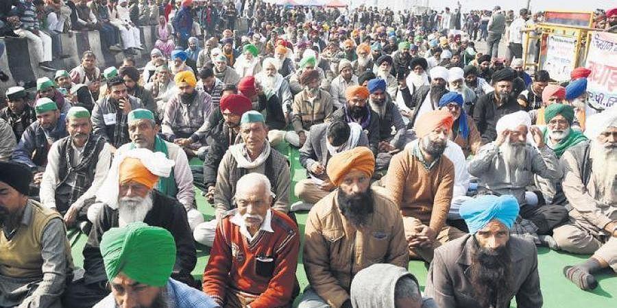 Farmers protest against farm laws at Ghazipur border on Wednesday. (Photo | Parveen Negi, EPS)