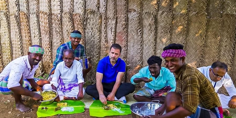 Rahul Gandhi along with the chefs of 'Village Cooking Channel'. (Photo | Special Arrangement)