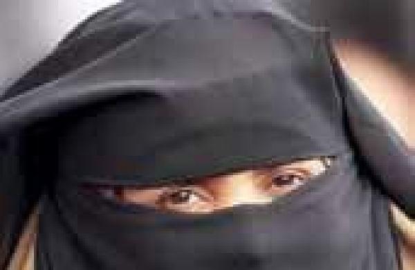 Woman forced to take off burqa in Madhya Pradesh