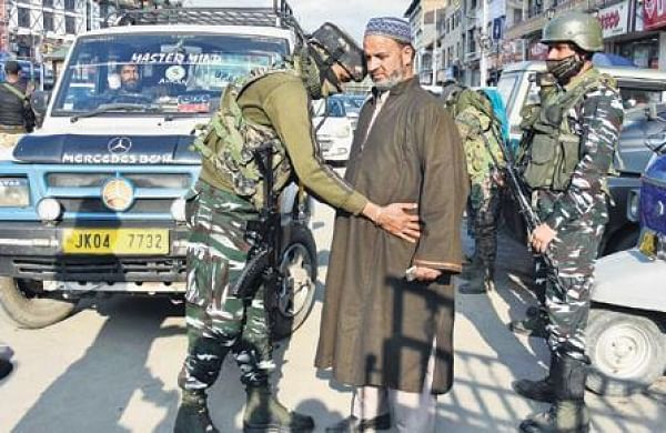 CRPF DG in Kashmir Valley to expedite work on safe camps for labourers