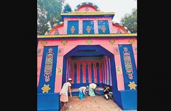 Hindu-Muslim Lakshmi Puja in Bengal village