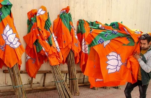 As SBSP cozies up to Akhilesh, BJP bags support of seven parties ahead of UP polls