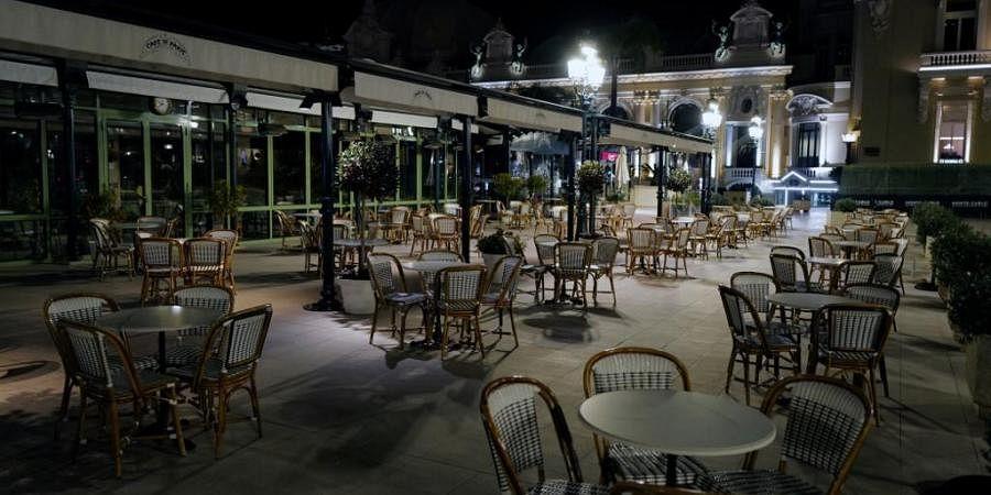 A shut restaurant amid COVID-19 lockdown. (Photo  AFP)