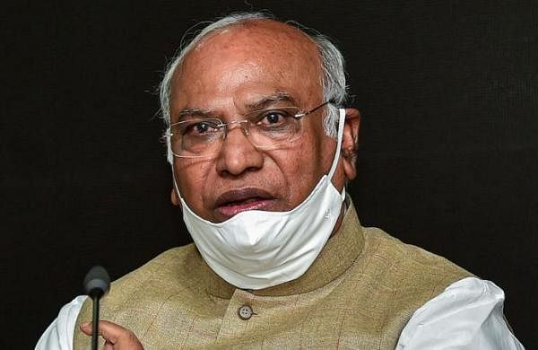 Youngsters should get COVID-19 vaccine first, not me, says Congress' Mallikarjun Kharge