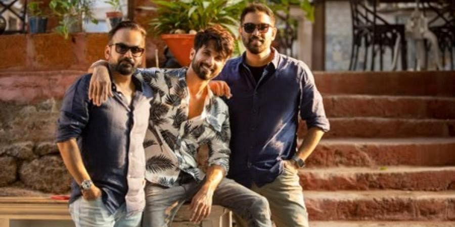 Shahid Kapoor (C) with Raj and DK