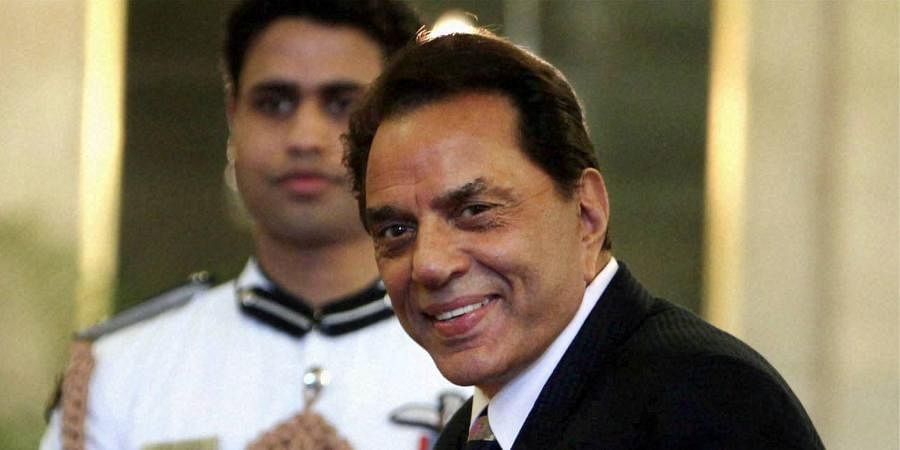 Outstanding Contribution to Film Industry:DharmendraDeol