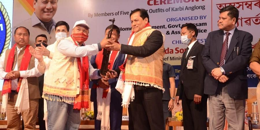 Over 1,000 militants laid down weapons before Assam Chief Minister Sarbananda Sonowal