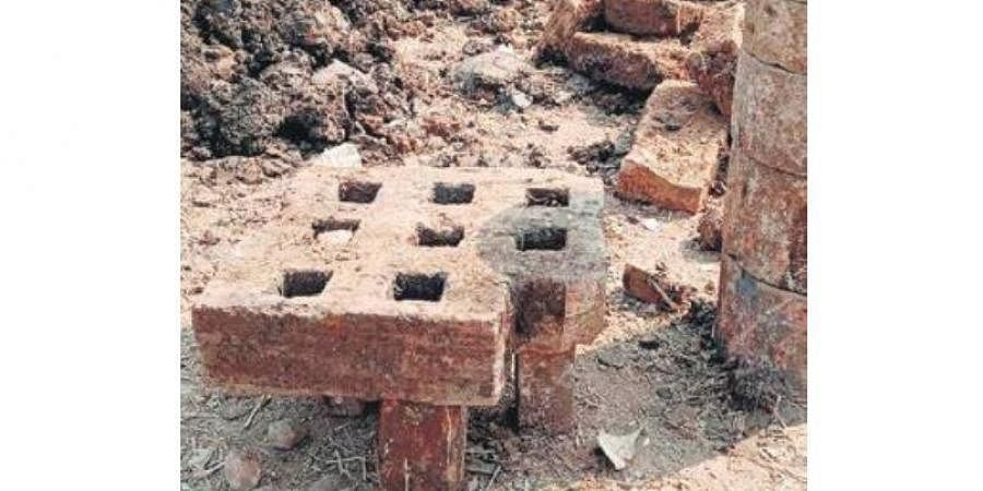 Ancient artifacts emerge from the 'Mo Pokhari' site