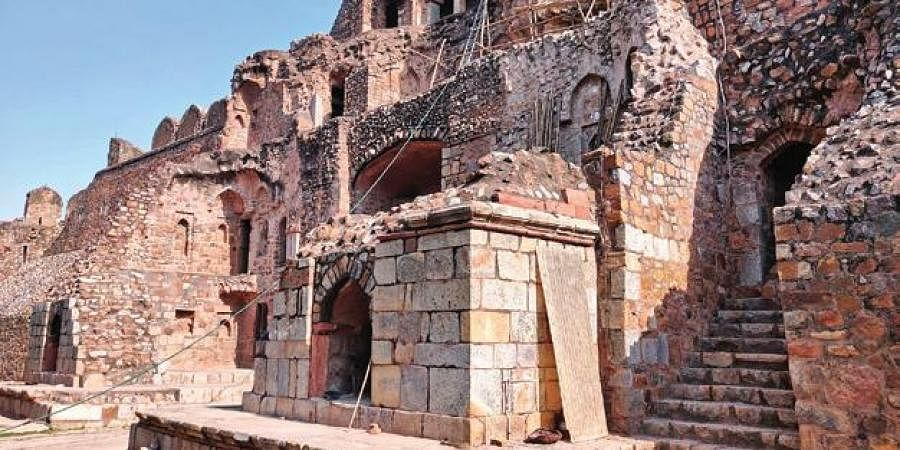 Built by Pashtun ruler Sher Shah Suri, the structure is a fine example of rubble masonry work.