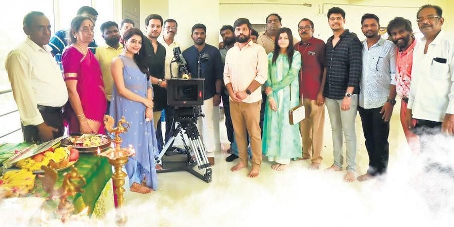 Actors Bharath and Janani are teaming up for a film titled Munarivan that will be directed by newbie Vejayaraj.
