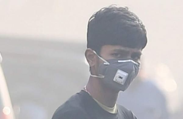 Indians take 1.3 billion days off work yearly due to effects of air pollution: Study