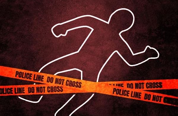 UP man kills 17-year-old daughter, carries severed head to police station