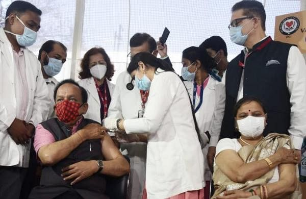 Union Health Minister Harsh Vardhan, wife get COVID-19 vaccine shot