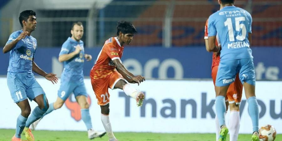 Mumbai City FC and FC Goa played out an entertaining 2-2 draw in the semifinal first leg at the Fatorda Stadium on Friday