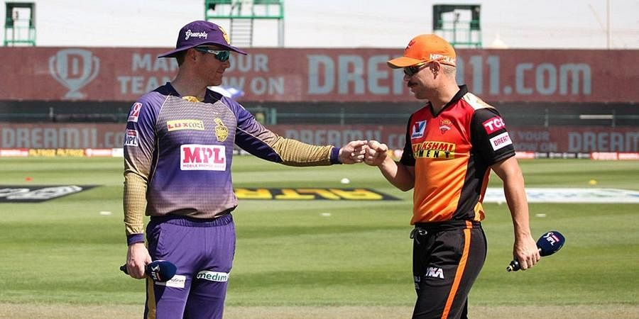 David Warner (R) captain of Sunrisers Hyderabad and Eoin Morgan captain of Kolkata Knight Riders during the toss.