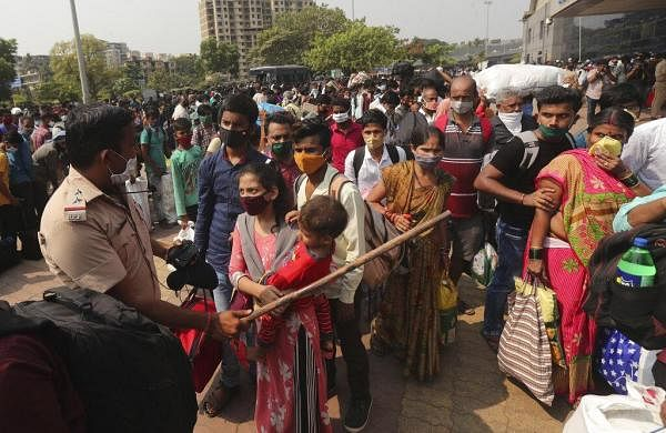 Maharashtra crisis: Mumbai's Jaslok Hospital to be fully dedicated COVID-19 facility; migrant exodus continues
