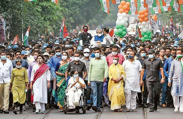 Jaya for company, Mamata braves the heat and ups ante against BJP