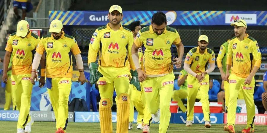 MS Dhoni captain of Chennai Super Kings with teammates. (Photo | IPL)