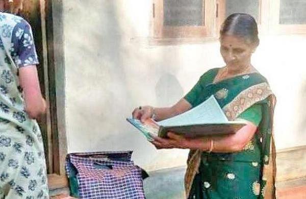 This Kerala librarian serves knowledge at doorstep