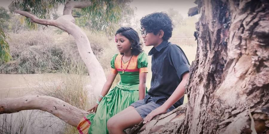 A still from the music video 'Aa Nimisham'