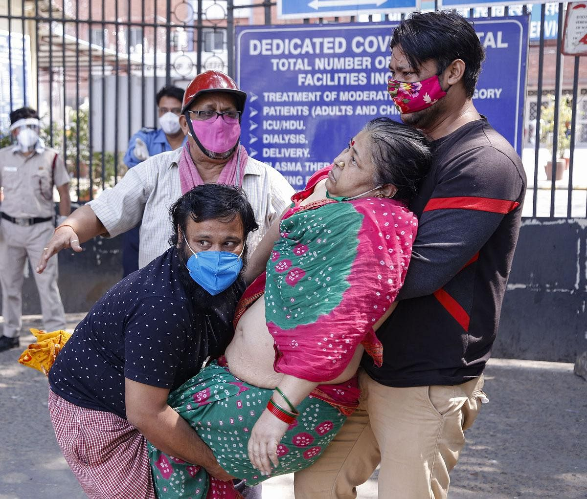 Hospitals are suffering from acute shortage of oxygen despite strict government orders to ensure uninterrupted production and supply of medical oxygen. (Photo | PTI)