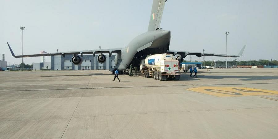 C-17 and IL-76 aircraft airlifted cryogenic oxygen containers from Air Force Station Hindan to Panagarh for recharging