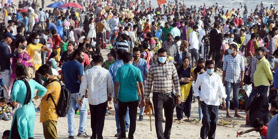 Juhu beach, Mumbai crowd