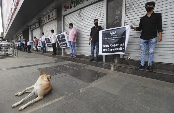 Maharashtra lockdown: Hotels, restaurants hold silent protest; jewellers urge for curbs' relaxation