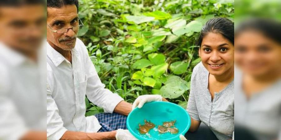 Ayushi with Abdullah Kunzhi, a local farmer, who has been helping her with conservation efforts