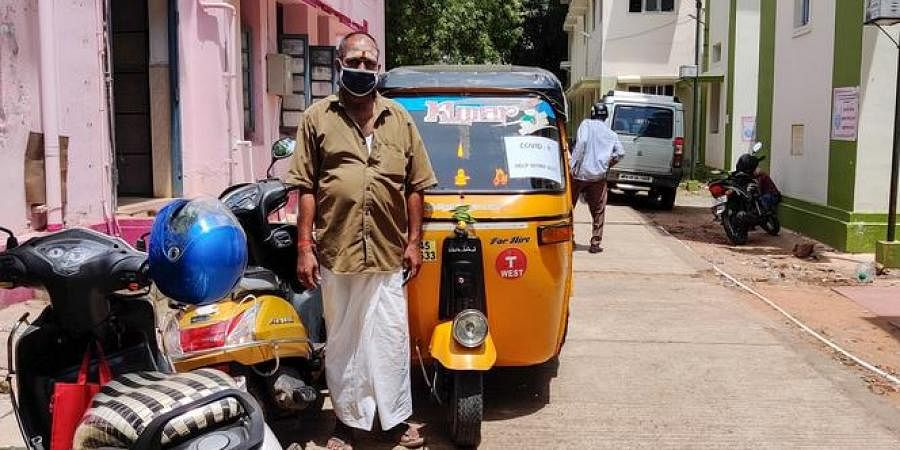 Auto driver Karthi ferries patientsfrom and to MGMGH and other hospitals