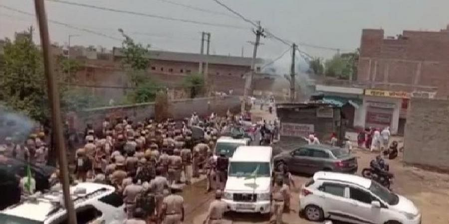 Protesting farmers clash with police in Haryana's Hisar