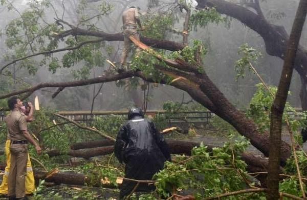 Cyclone Tauktae to reach Gujarat coast tonight; over 1 lakh people shifted