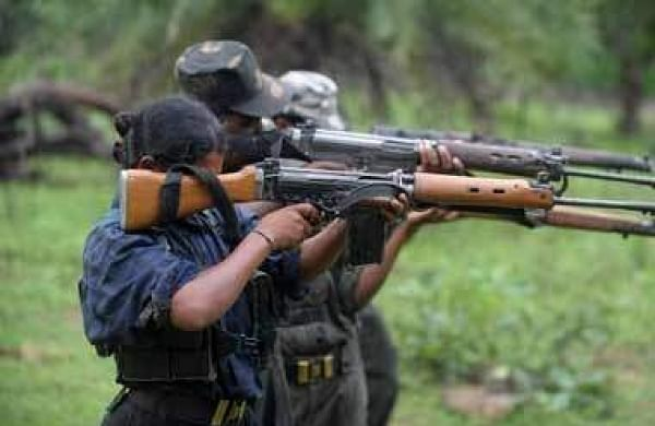 Three killed in encounter between Naxals and police in Chhattisgarh