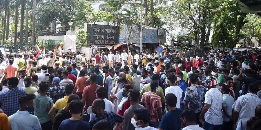 A large number of TMC supporters staged a protest outside the CBI office in Kolkata