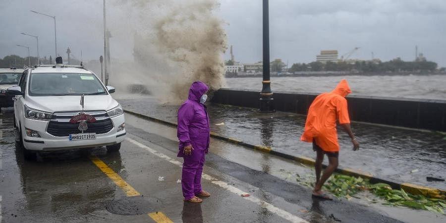 Mumbai mayor Kishori Pednekar visits the Gateway of India in the view the formation of Cyclone Tauktae