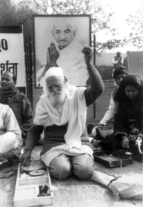 A Gandhian, Bahuguna sought inspiration from Sri Dev Suman, another environmental activist from Uttarakhand who believed in nationalism and principles of non-violence. (Photo | PTI)